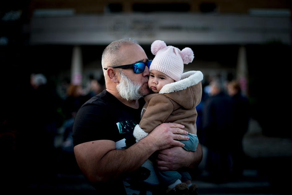Participantes na manifestación en contra do peche do paridoiro do hospital de Verín. Fotos: Brais Lorenzo.